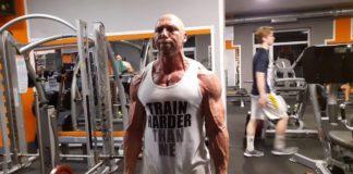 Bicepsz edzés állva kétkezes súlyzóval